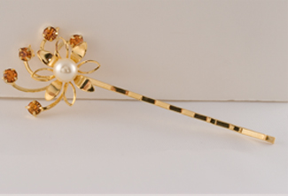 Laura Bobby Pin Gold & Topaz